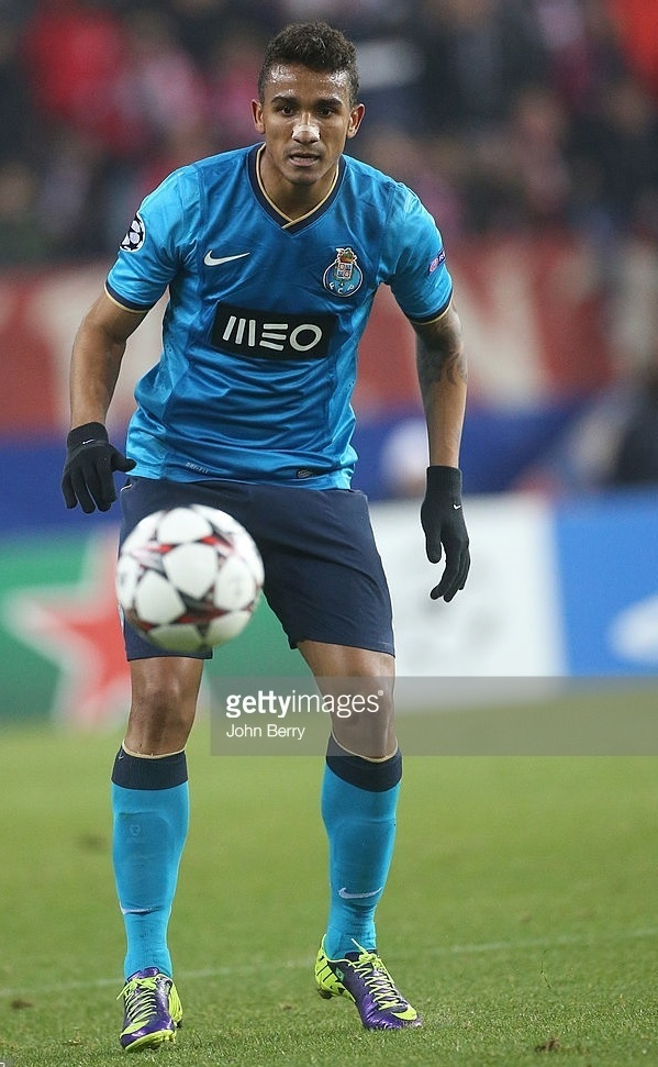 FC-Porto-2013-14-NIKE-away-kit.jpg