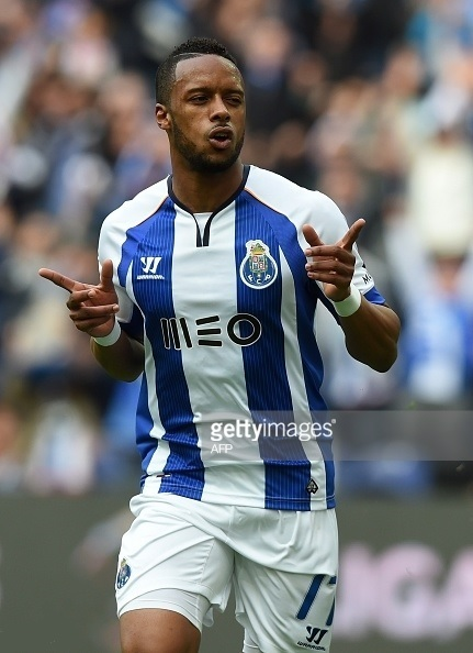 FC-Porto-2014-15-Warrior-home-kit.jpg