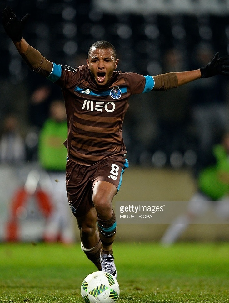 FC-Porto-2015-16-NEW-BALANCE-away-kit.jpg