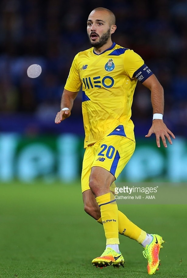 FC-Porto-2016-17-NEW-BALANCE-third-kit.jpg