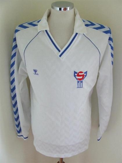 Faroe-Islands-88-hummel-home-shirt-white.JPG