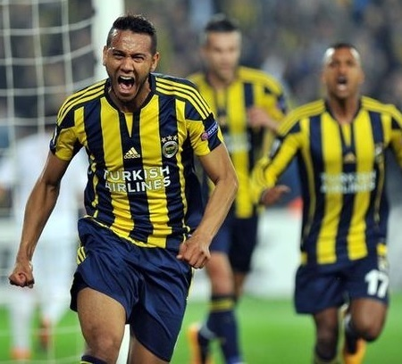 Fenerbahce-15-16-adidas-home-kit-TURKISH-AIRLINES-Josef-de-Souza.jpg