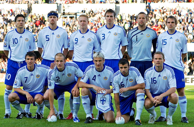 Finland-08-09-adidas-home-kit-white-blue-white-line-up.jpg