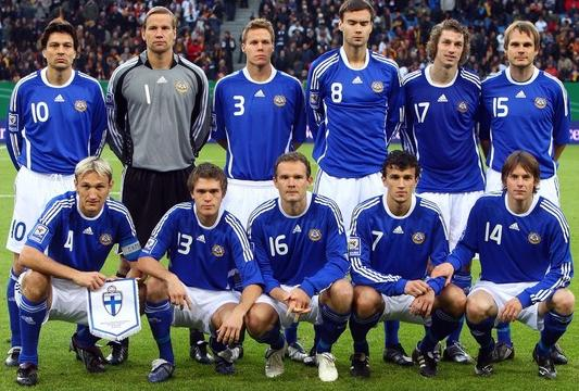 Finland-08-09-adidas-uniform-blue-white-blue-group.JPG
