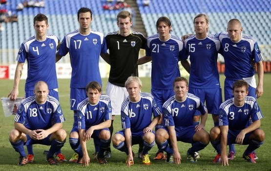 Finland-10-11-adidas-away-kit-blue-blue-blue-line-up.jpg