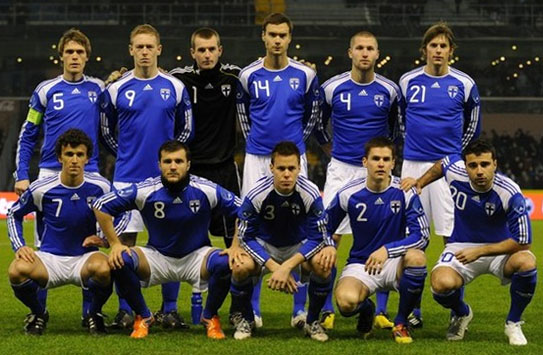 Finland-10-11-adidas-away-kit-blue-white-blue-line up.JPG