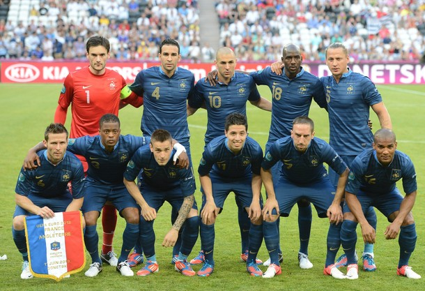 France-12-13-NIKE-home-kit-blue-blue-blue-number-line-up.jpg