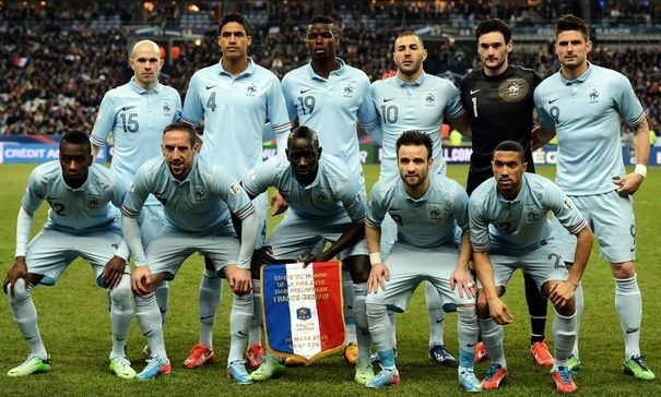 France-13-NIKE-away-kit-pale-blue-pale-blue-pale-blue-line-up.jpg