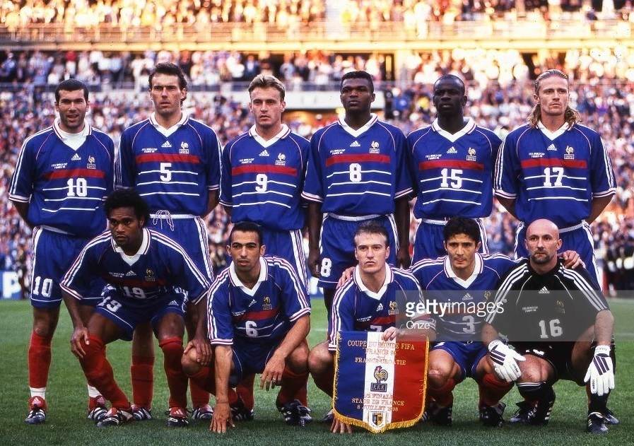France-1998-adidas-world-cup-home-kit-blue-blue-red-line-up.jpg