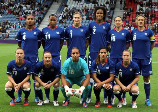 France-2012-NIKE-women-olympic-home-kit-blue-blue-blue-line-up.jpg