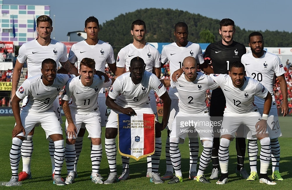 France-2015-NIKE-away-kit-white-white-white-line-up.jpg