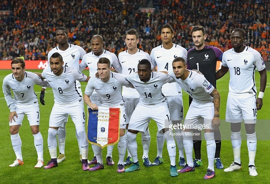 France-2016-NIKE-away-kit-white-white-white-line-up.jpg