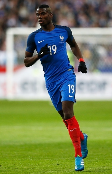 France-2016-NIKE-home-kit-blue-blue-red.jpg