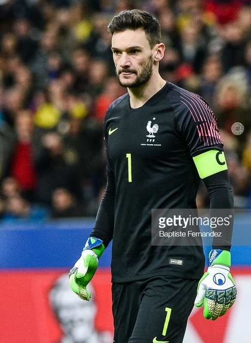 France-2018-NIKE-GK-home-kit-black-black-black.jpg