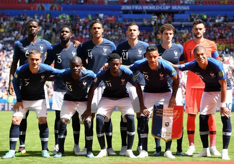 France-2018-NIKE-world-cup-home-kit-navy-white-navy-group-photo.jpg