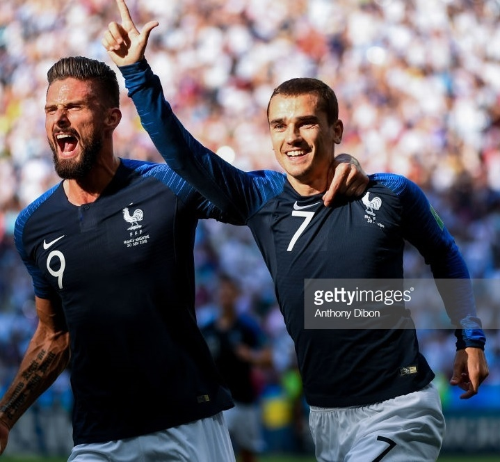 France-2018-NIKE-world-cup-home-kit-navy-white-red-Antoine-Griezmann.jpg