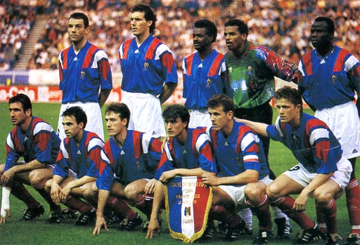 France-92-93-adidas-home-kit-blue-white-red-pose.JPG