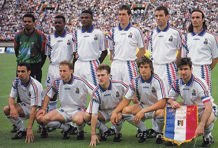 France-94-95-adidas-away-kit-white-white-white-line-up-19940529-vsJapan-4-1-国立-Soccer-Digest.jpg