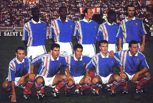 France-94-95-adidas-home-kit-blue-white-red-pose.JPG