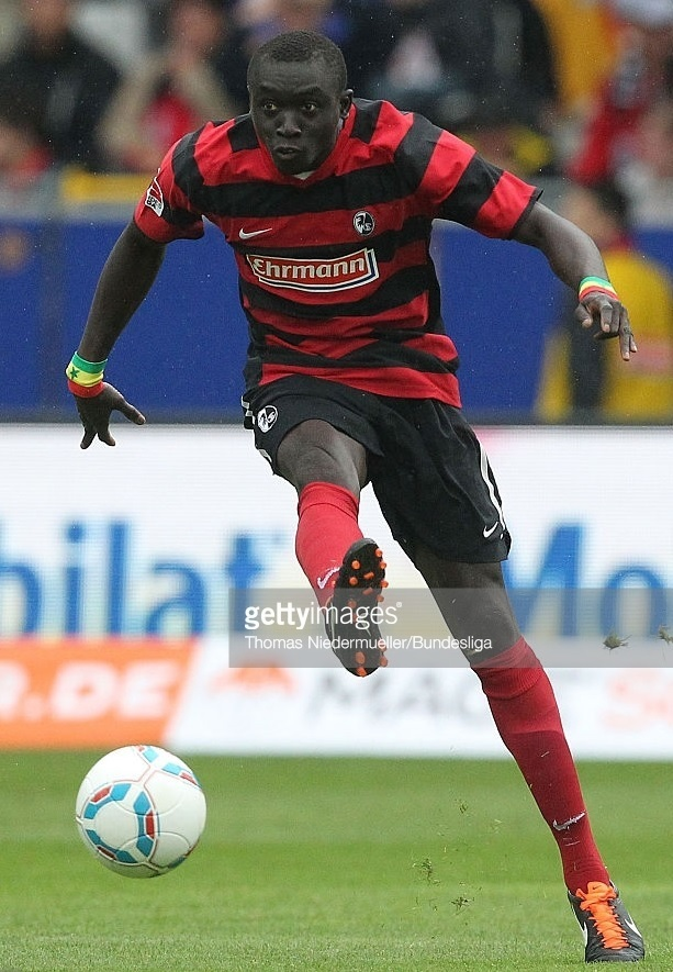 Freiburg-2011-12-NIKE-home-kit.jpg