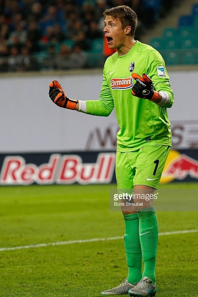 Freiburg-2015-16-NIKE-GK-home-kit.jpg