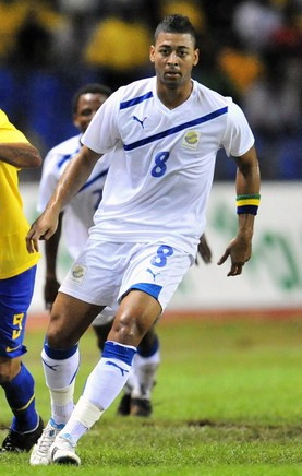 Gabon-11-PUMA-away-kit-white-white-white.jpg