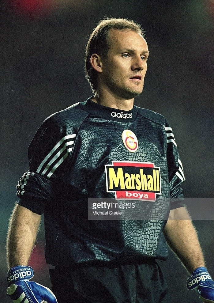 Galatasaray-1999-2000-adidas-GK-away-kit-Claudio-Taffarell.jpg
