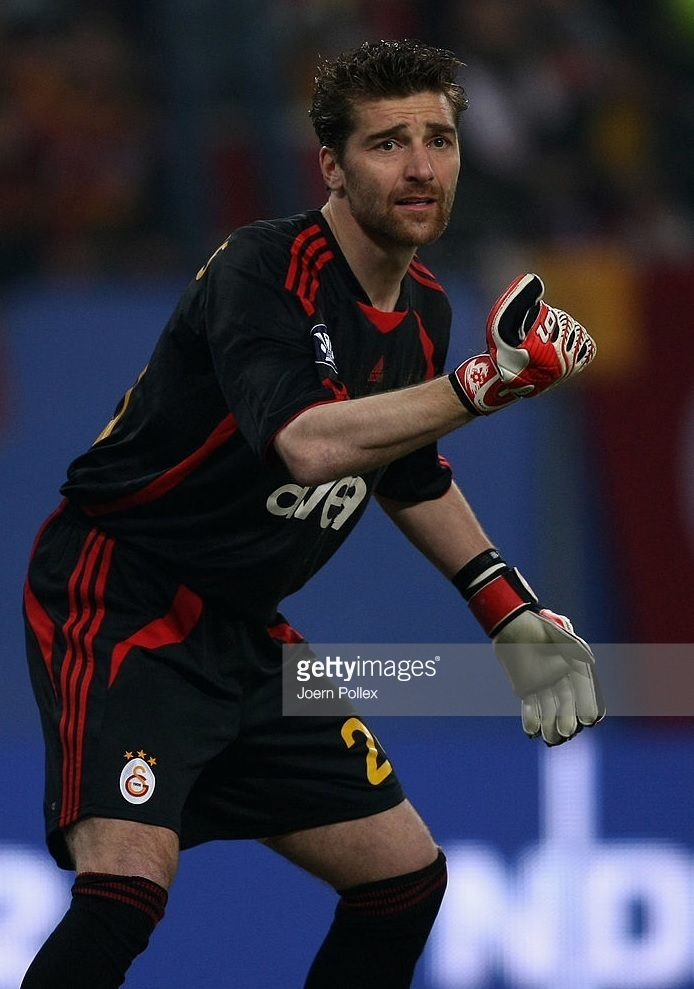 Galatasaray-2008-09-adidas-GK-kit-Morgan-De-Sanctis.jpg