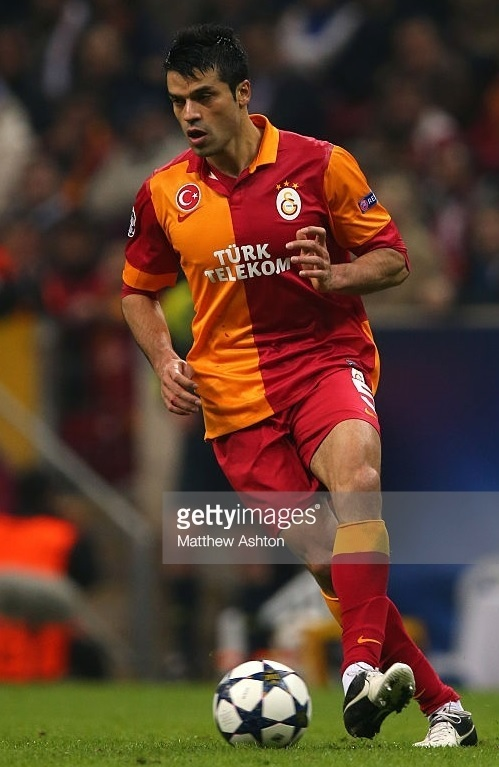 Galatasaray-2012-13-NIKE-home-kit-Gökhan-Zan.jpg