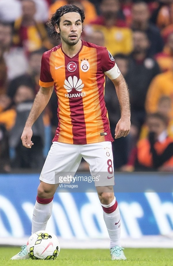 Galatasaray-2014-15-NIKE-home-kit-Selcuk-Inan.jpg