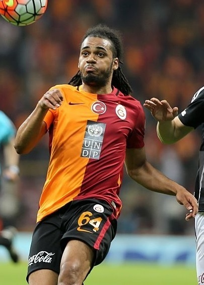 Galatasaray-2015-16-NIKE-home-kit-Jason-Denayer.jpg