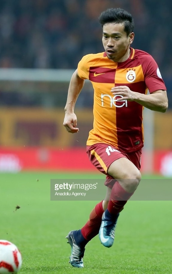 Galatasaray-2017-18-NIKE-home-kit-Yuto-Nagatomo.jpg