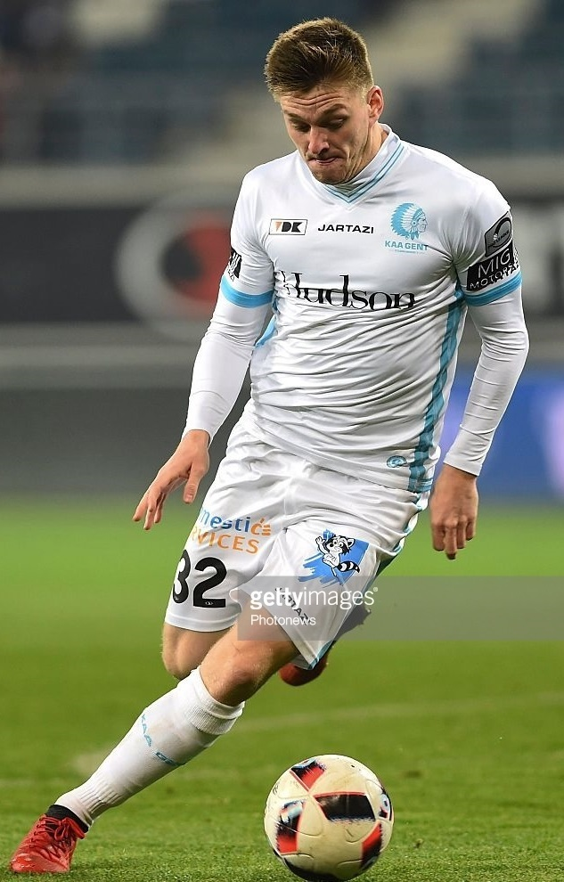 Gent-2016-17-JARTAZI-third-kit-Thomas-Foket.jpg
