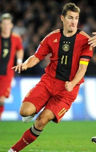 Germany-08-09-adidas-away-red-red-red.JPG