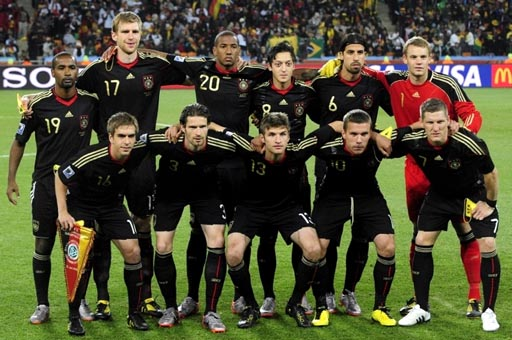 Germany-10-11-adidas-away-kit-black-black-black-pose.JPG