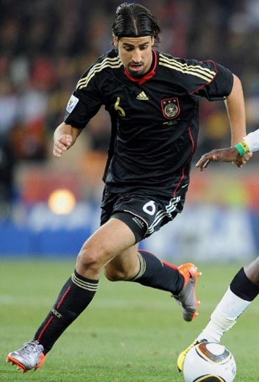 Germany-10-11-adidas-away-kit-black-black-black.JPG