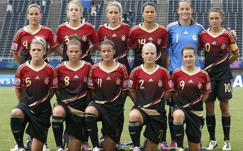 Germany-12-adidas-U20-women-away-kit-red-black-black-line-up.jpg