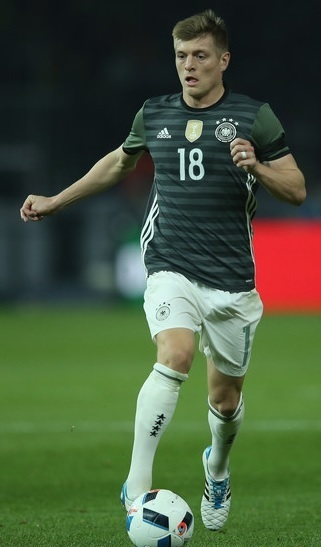 Germany-2016-adidas-EURO-away-kit.jpg
