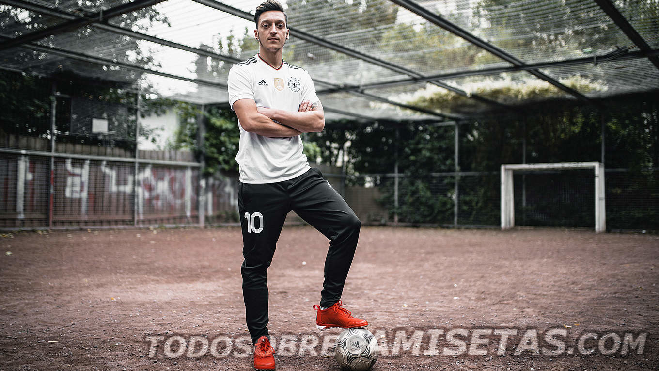 Germany-2017-18-adidas-new-home-kit-22.jpg