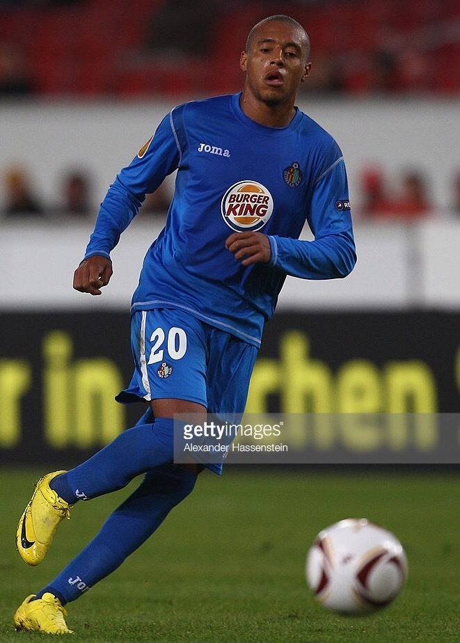 Getafe-2010-11-Joma-home-kit.jpg