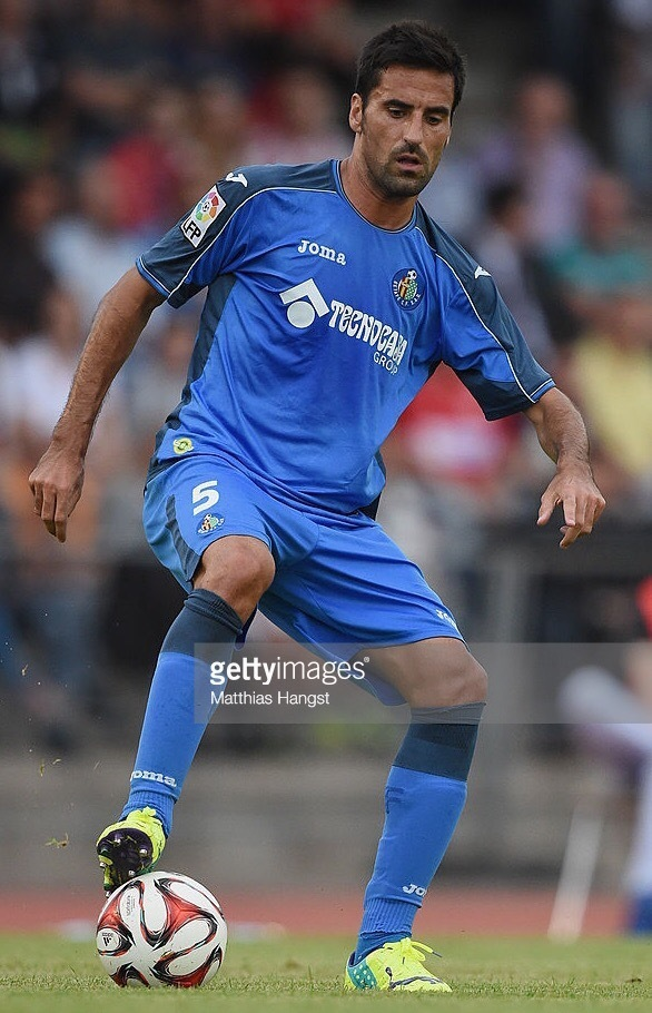 Getafe-2014-15-Joma-home-kit.jpg