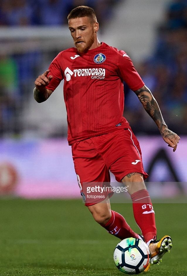Getafe-2017-18-Joma-away-kit.jpg