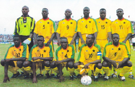 Ghana-2000-KAPPA-home-kit-yellow-yellow-yellow-line-up.jpg