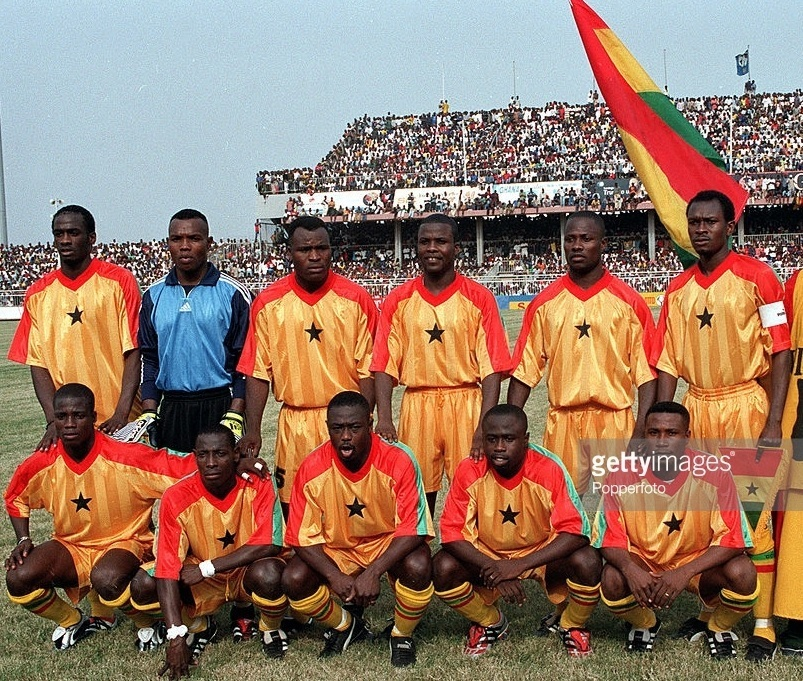 Ghana-2001-no-name-first-kit-yellow-yellow-yellow-group-photo.jpg