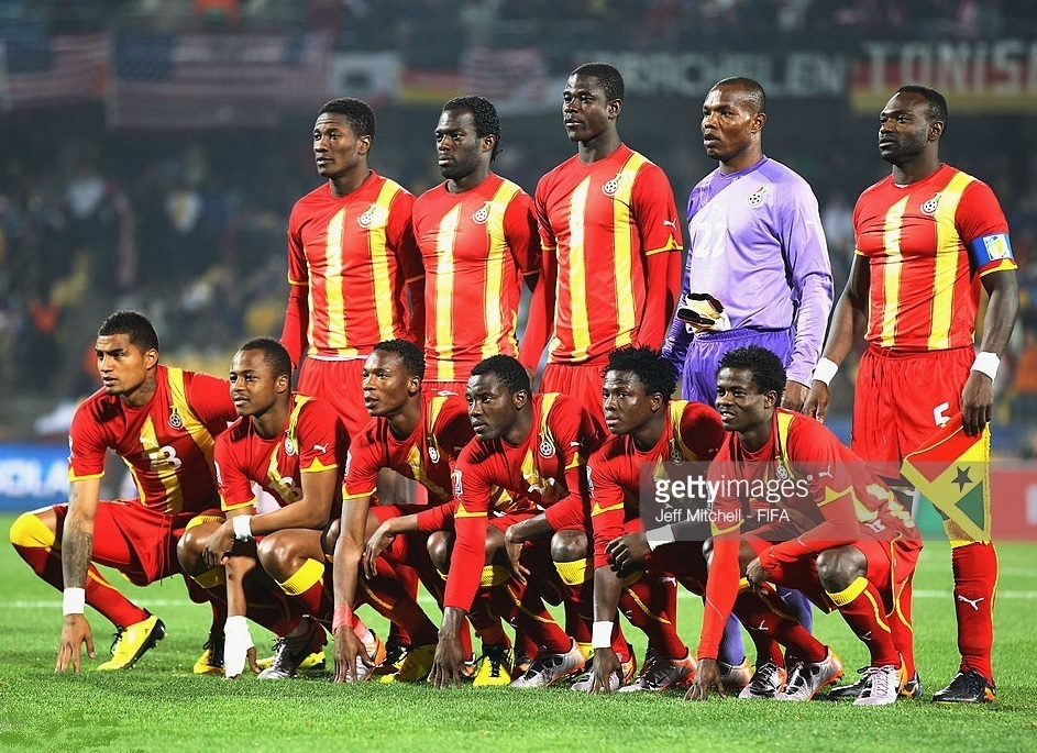 Ghana-2010-PUMA-world-cup-second-kit-red-red-red-line-up.jpg