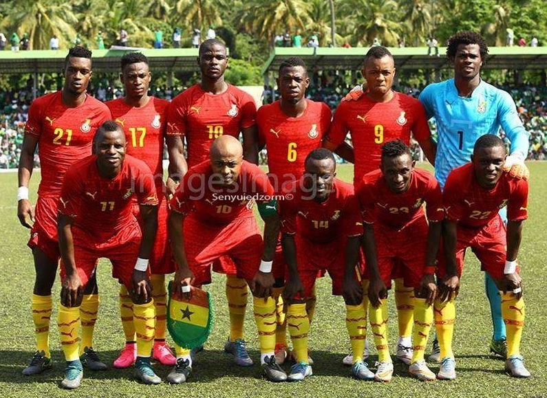 Ghana-2016-17-PUMA-away-kit-red-red-yellow-line-up.jpg