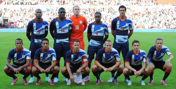 Great Britain-12-adidas-olympic-kit-blue-navy-navy-line-up.jpg