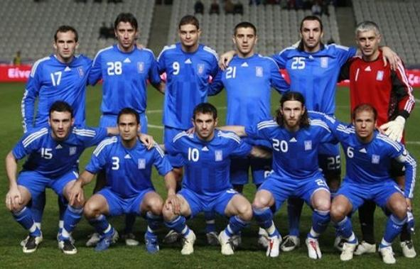 Greece-08-09-adidas-away-blue-blue-blue-group.JPG