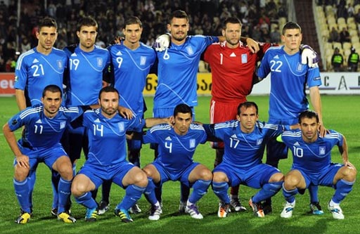 Greece-10-11-adidas-away-kit-blue-blue-blue-line-up.JPG