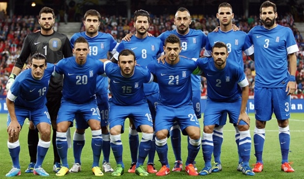 Greece-13-NIKE-away-kit-blue-blue-blue-line-up.jpg